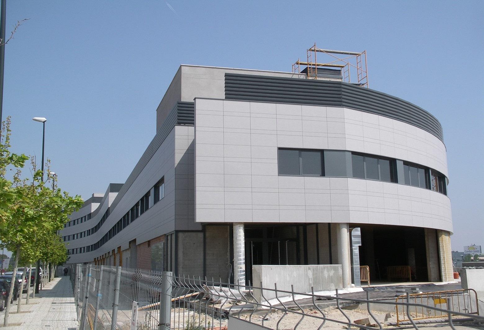 Edificio usos terciarios en vistabella